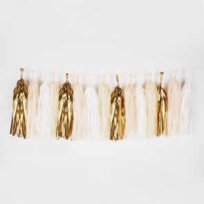 Tassel Garland in Powder